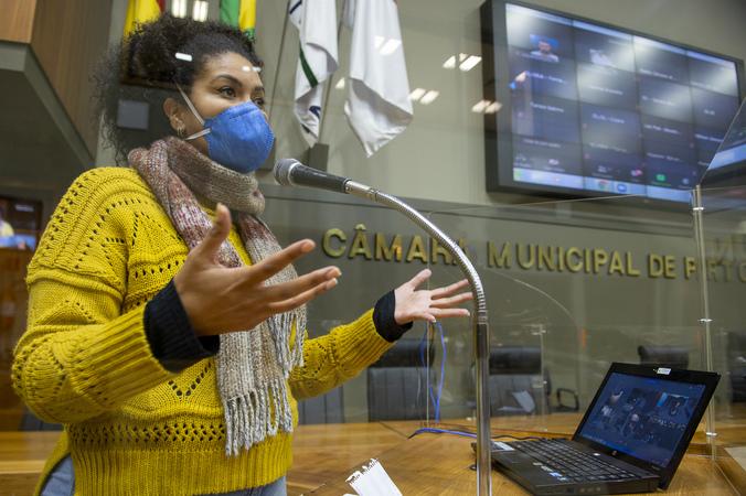 Sessão Ordinária - Sessão Ordinária híbrida. Na foto, vereadora Karen Santos. (Foto: Jeannifer Machado/CMPA)