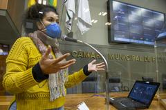Sessão Ordinária híbrida. Na foto, vereadora Karen Santos.