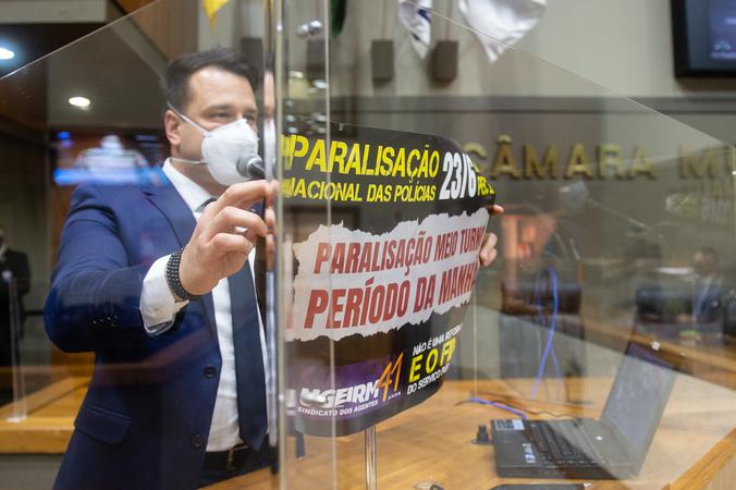 Sessão ordinária - Vereador Leonel Radde na tribuna (Foto: Ederson Nunes/CMPA)