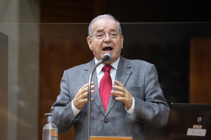 Sessão Ordinária - Vereador Idenir Cecchim na tribuna (Foto: Ederson Nunes/CMPA)