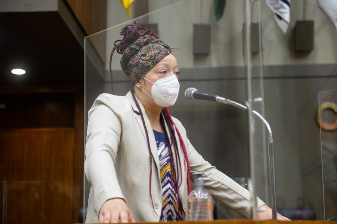 Sessão Ordinária - Vereadora Daiana Santos na tribuna (Foto: Ederson Nunes/CMPA)