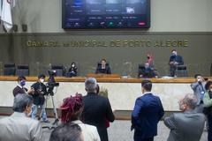 Movimentação de plenário. Vereadores após votação da reforma da previdência.