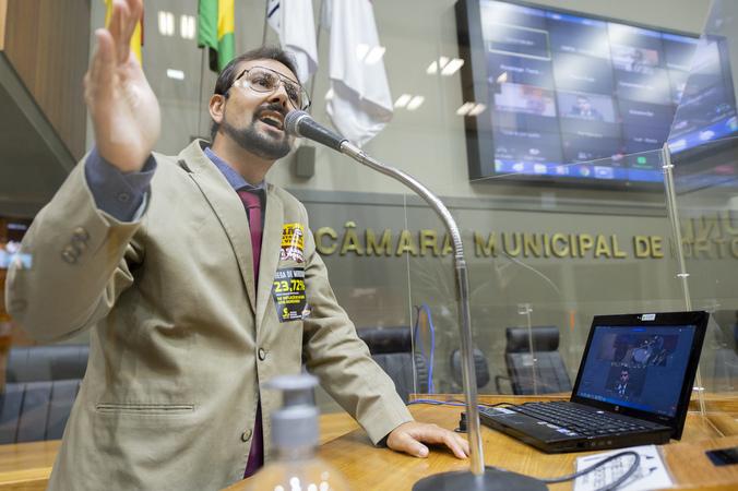 Sessão Ordinária - Sessão Ordinária híbrida. Vereador Jonas Reis na tribuna. (Foto: Jeannifer Machado/CMPA)