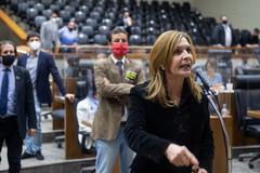 Vereadora Mônica Leal (PP) na sessão desta madrugada