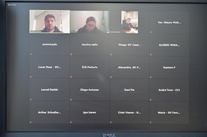 CCJ - Reunião para apreciação de pareceres e distribuição de projetos para relatar. (Foto: Martha Izabel/CMPA)