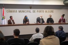 A partir da esquerda: Jonas Reis (PT), Fernanda Melchionna (PSOL), Pedro Ruas (PSOL), Roberto Robaina (PSOL) e Matheus Gomes (PSOL)