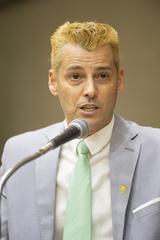 Retrato vereador Professor Claudio Franzen.