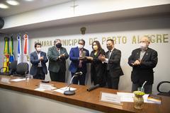 Vargas, Tanise e Elizandro na entrega do troféu hoje à tarde
