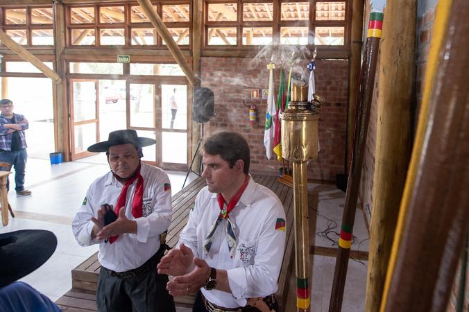 Presidência - Presidente Márcio Bins ELy participa do apagamento da Chama Crioula no Galpão Crioulo da Câmara Municipal. (Foto: Ederson Nunes/CMPA)