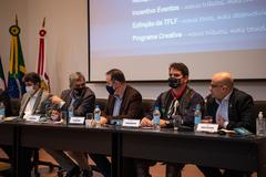 Presidente Márcio Bins Ely participa da apresentação da nova administração tributária, na AIAMU.