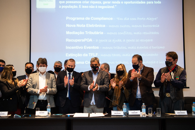 Presidência - Presidente Márcio Bins Ely participa da apresentação da nova administração tributária, na AIAMU. (Foto: Ederson Nunes/CMPA)