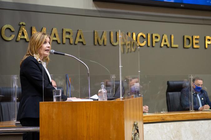 Sessão ordinária - Período de Comunicações em Homenagem ao Dia do Médico. Na tribuna, vereadora Mônica Leal. (Foto: Ederson Nunes/CMPA)