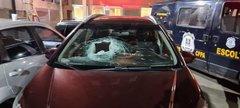 Veículo atingido por pedra em junho na freeway. A passageira Munike Krischke, 45 anos, não resistiu aos ferimentos e morreu. Foto: Sabrina Krischke / Arquivo Pessoal