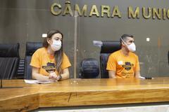 Luciana Bortoli e Elias Machado defenderam, na tribuna, o chamamento de concursados