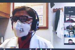 Reunião sobre Semana da psoríase e dermatite atópica. Na foto, Tânia Cestari.