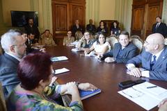 Reunião realizada no Palácio Piratini contou com a presença do ministro do Desenvolvimento Social e Agrário, Osmar Terra.