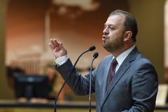 Carús cobra providências para o Viaduto Otávio Rocha em sessão plenária