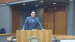Professor Wambert se manifesta durante a Sessão Plenária na Câmara Municipal de Porto Alegre.