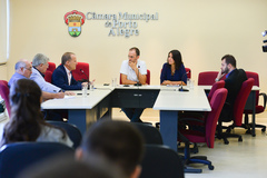 A comissão discutiu o reflexo das manifestações no comércio e nos bancos do centro da cidade.