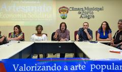 Instalação da Frente Parlamentar em defesa do artesanato e da economia solidária. Na foto: vereador Aldacir Oliboni (de barba), presidente da Frente.