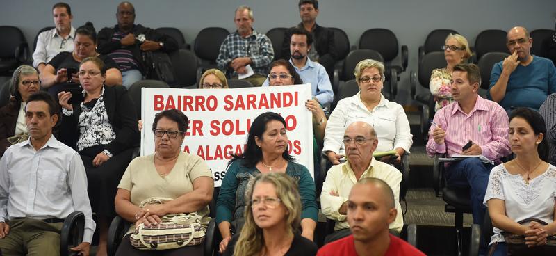 Alagamentos recorrentes no Bairro Sarandi.