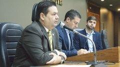 Vereadores Professor Wambert, Valter Nagelstein e Felipe Camozzato na abertura da Frente Parlamentar de Revisão Legislativa