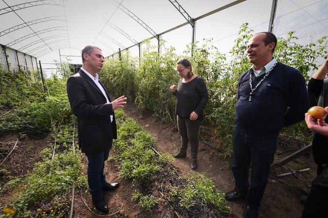 Presidente Cassio Trogildo se reúne com produtores rurais em propriedade da Zona Sul.