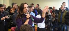 Reunião Conjunta CCJ, CEFOR e CUTHAB sobre a política salarial dos servidores municipais. Na foto, vereadora Fernanda Melchionna (ao microfone).